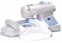 Singer CE-350 Futura Sewing Embroidery Machine + Free 3900 Designs CD