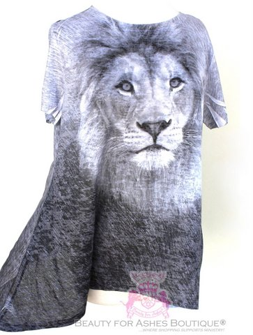 Womens Plus Size Black White Lion Flowy Short Sleeve Top