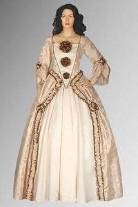 An Italian Renaissance Dress Can Be Your Gateway to the Past