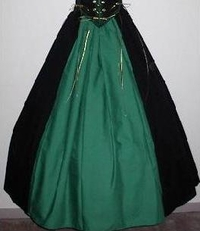 Historical Costumes for Women in a Pinch