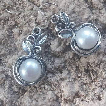 Israeli sterling silver pearl earrings