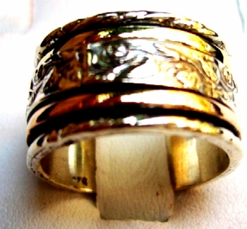 Spinner rings flowers band