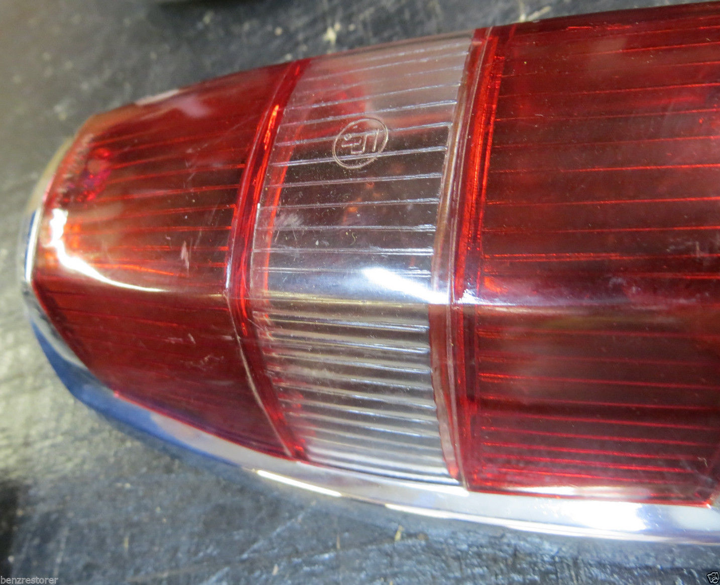 Nos mercedes benz 190 sl taillight for Mercedes benz tail light lens