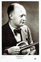 Hindemith, Paul. 1 unsigned BW candid photo, 7x5. 1 unsigned photocard, Lipnitzki, A.N-Paris