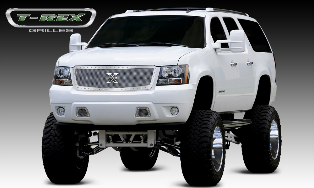 Newmain Lights together with Maxresdefault furthermore Gcimrtadl Sl Ac Ss moreover Maxresdefault likewise Exterior. on 2014 chevy avalanche ltz