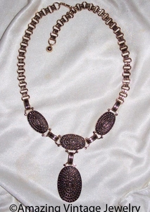 19TH CENTURY Necklace