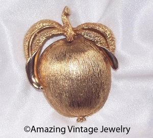 ADAM'S DELIGHT Pin - Goldtone