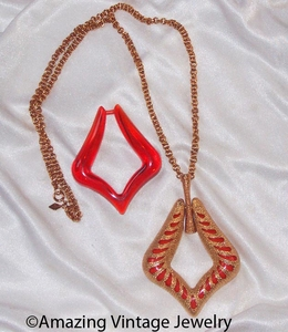 AUTUMN TRIO Necklace - Wrong chain