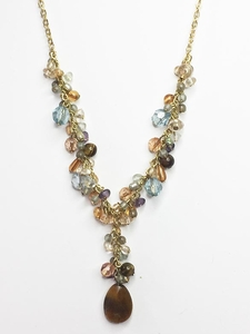 AVON Pretty Beaded Necklace