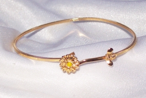 AVON Bee and Flower Bracelet