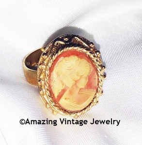CAMEO LADY Ring