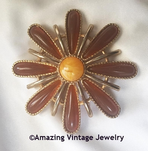 SUN RAY Canada Flower Pin