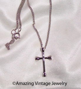COLONIAL CROSS Necklace