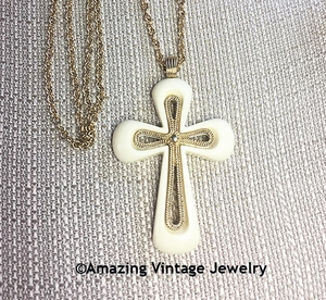 CREDO CROSS Necklace