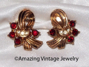 EMMONS or SARAH COVENTRY Goldtone/Red Rhinestone Earrings