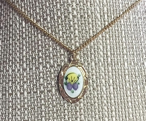 EMMONS Pansy Necklace