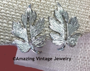 EMMONS Silvertone Leaf Earrings