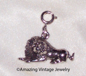 ENDANGERED SPECIES Charm - Lion