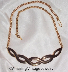 FASHION BRAID Necklace - Goldtone