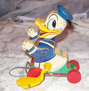 FiSHER PRICE Donald Duck Pull Toy   1955
