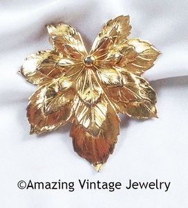 GOLDEN MAPLE Pin