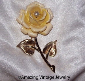 GOLDEN SCEPTOR Pin