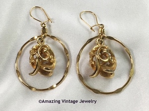 GOLDEN TULIP Earrings - Wires
