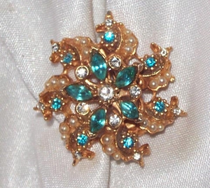 Goldtone Pin w/Turquoise Rhinestones and Faux Pearls