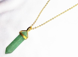 Green AVENTURINE Pointed Stone Pendant Necklace