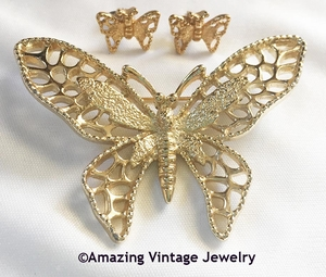 MADAME BUTTERFLY Pin & Pierced Earrings Set