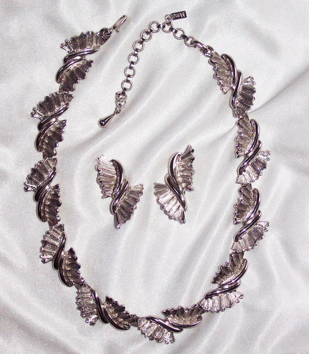 Monet Silvertone Leaves Necklace Earrings Set