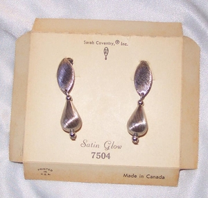 SATIN GLOW Earrings - Canada