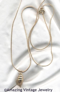 SEASHORE Necklace - Goldtone