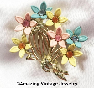 SPRING BOUQUET Pin