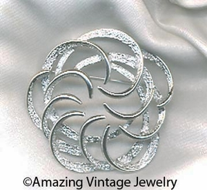 TAILORED SWIRL Pin - Silvertone