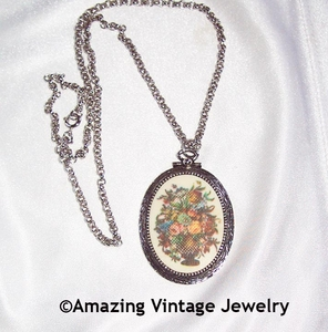 TAPESTRY Necklace