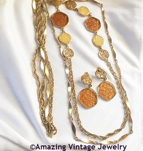 TASTE OF HONEY Necklace & Earrings Set