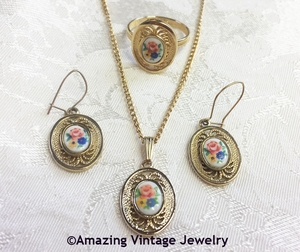 VICTORIAN BOUQUET Necklace, Ring, Earrings Set