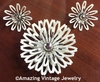 WHITE PETALS Pin & Earrings Set