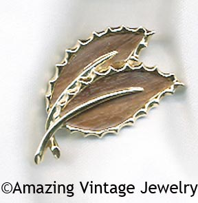WOODED BEAUTY Pin