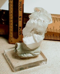 Quantum Quartz Cluster with Faden Veils, Miniature