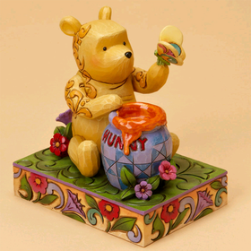 Heartwood Creek by Jim Shore Disney Traditions Clasic Winnie the Pooh with Butterfly
