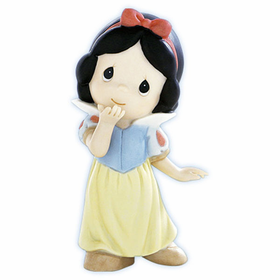 Precious Moments Disney Snow White: Your Kiss Can Put A Smile On The Grumpiest Face