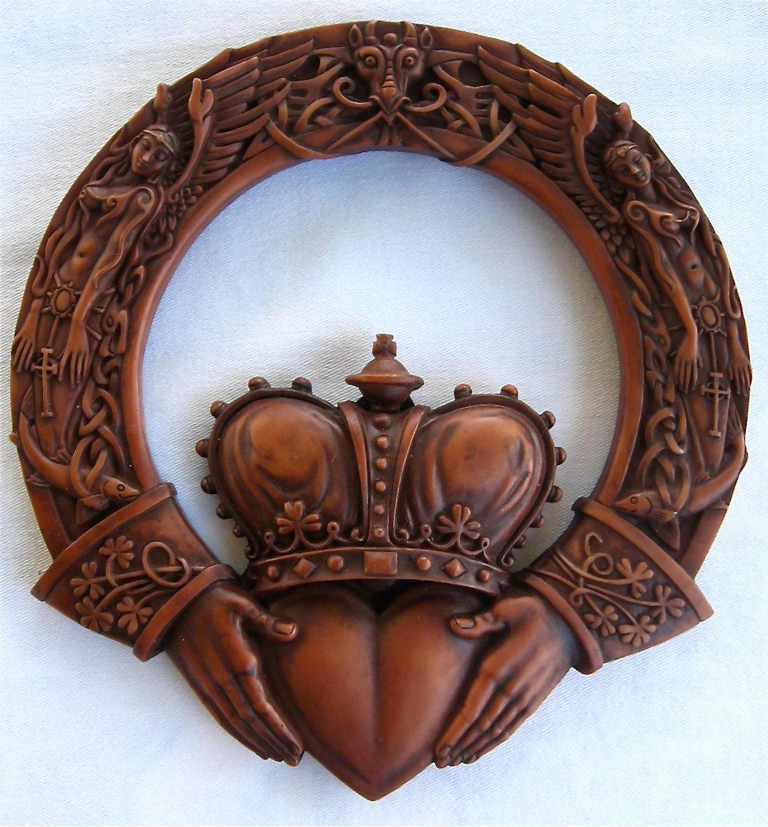 Irish Claddagh Celtic Wall Plaque Celtic Gifts Fairyglen Com