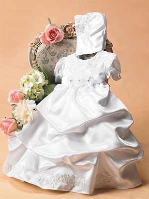Celebrate the Arrival of Newborns With Christening Dresses