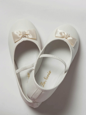 Pearl Bow Accented Girl Shoes