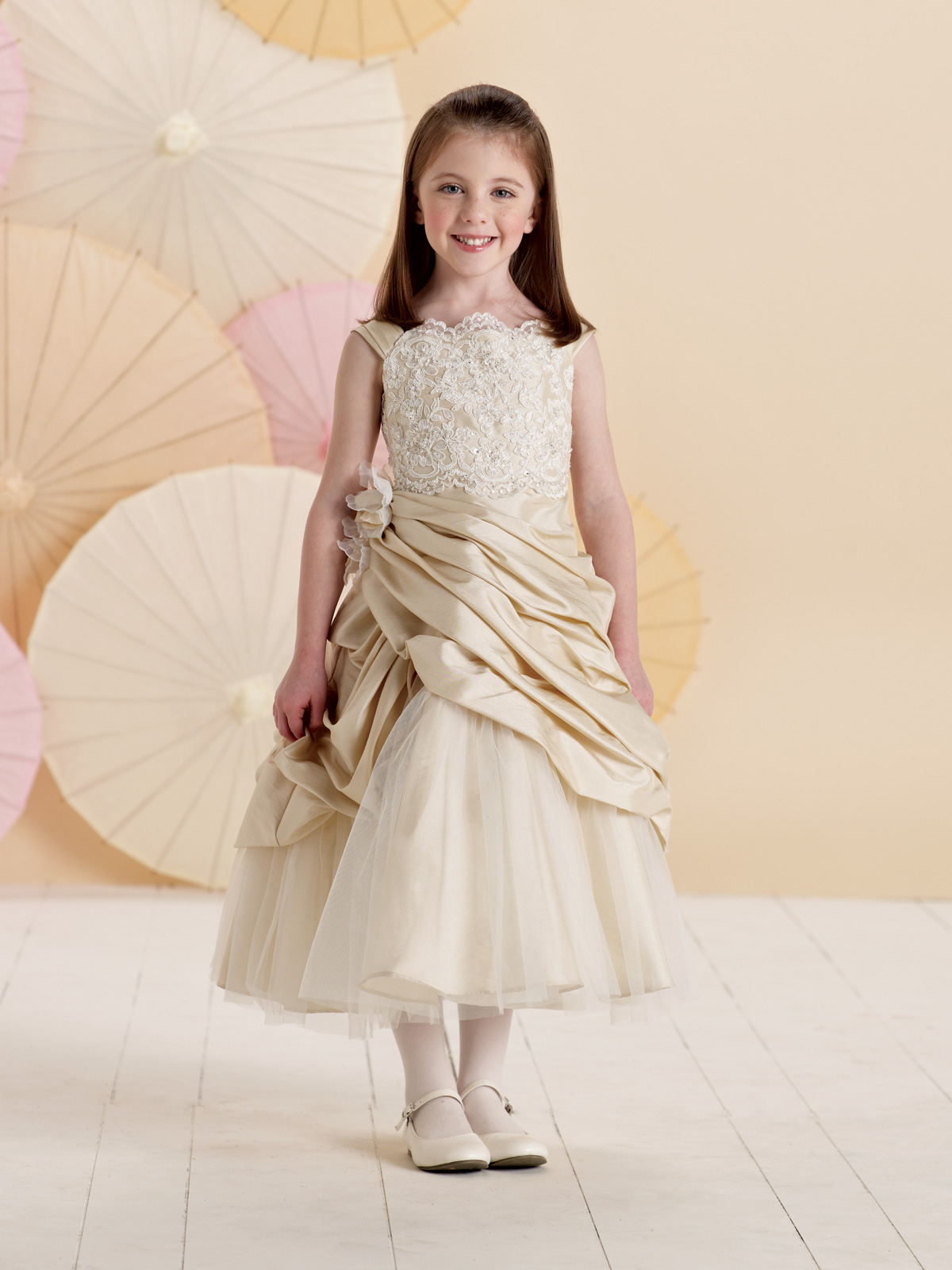 Sleeveless lace and tulle a line dress flower girl dress joan sleeveless lace and tulle a line dress flower girl dress ombrellifo Images