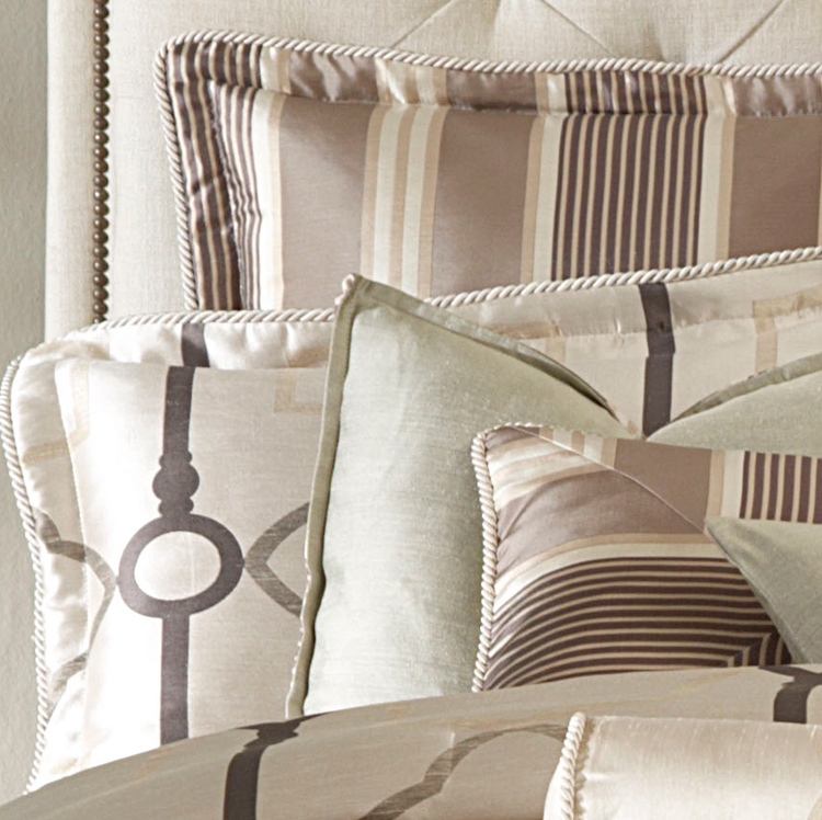 keystone court luxury bedding set  a michael amini bedding collection by aico