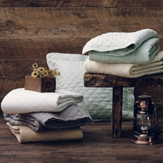 Linen Quilts And Shams