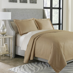 Alton Coverlet Set